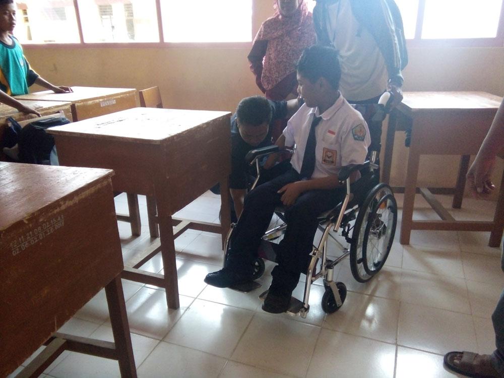 donasi-kursi-roda